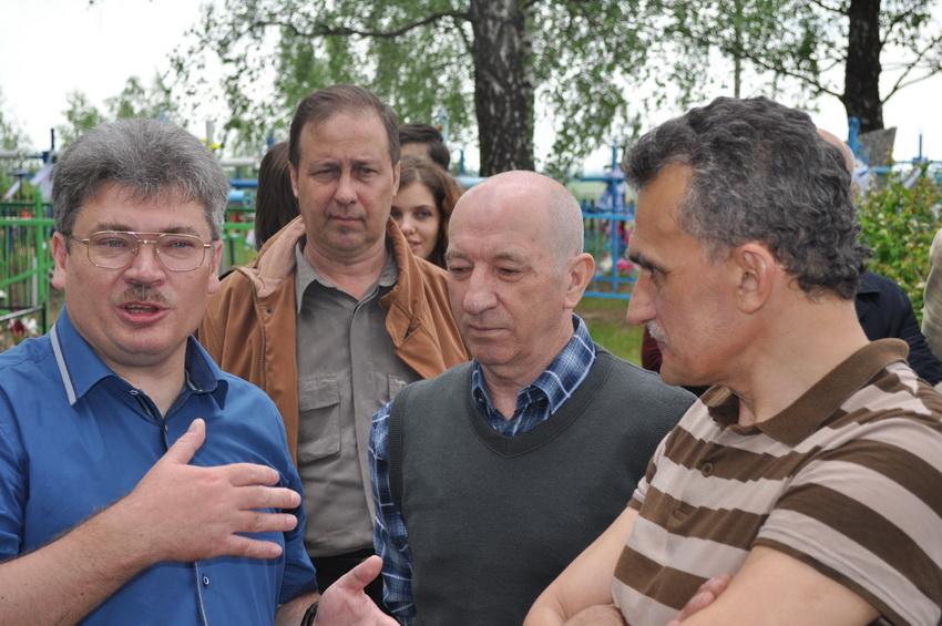 Міхась Скобла, Леанід Галубовіч і Сяржук Сыс.